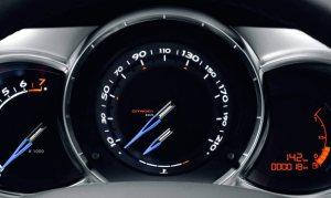 aumentar-vida-util-automovil-mas-anos-no-acelerar-frio